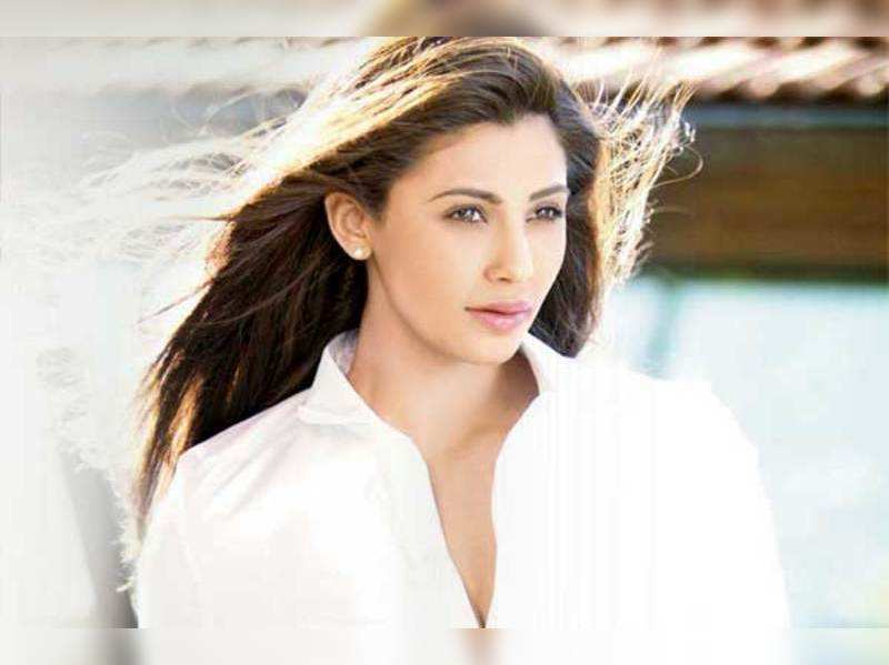 Salman sir's nature is just like my father's: Daisy Shah