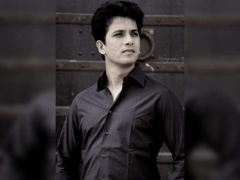 Abhijit Khandkekar to replace Pallavi Joshi in the new season of Sa Re Ga Ma Pa?