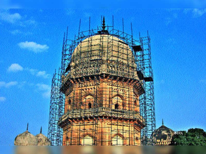 Jamshed Quli's tomb set to regain lost lustre