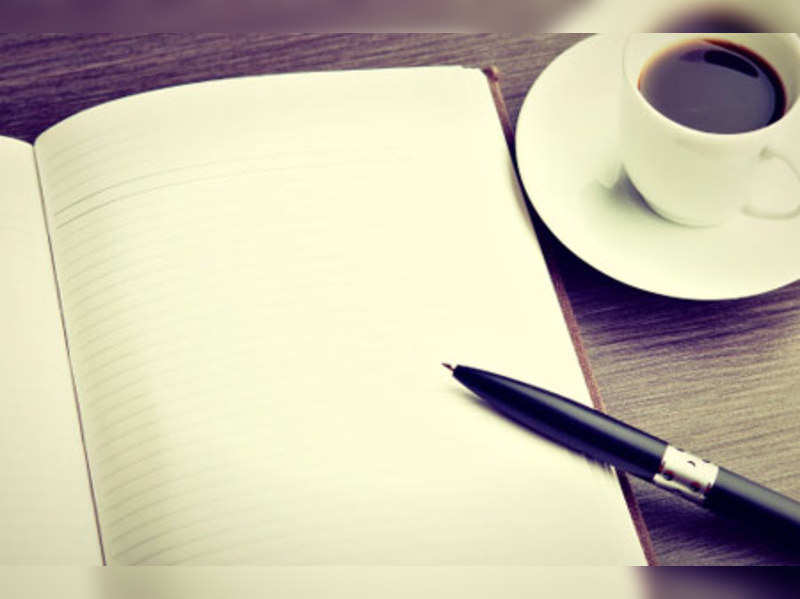Can Indian authors afford to pursue writing as a full time career?
