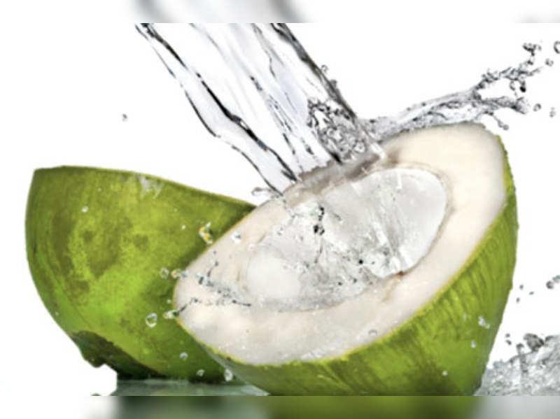 6 Health Benefits of Coconut Water