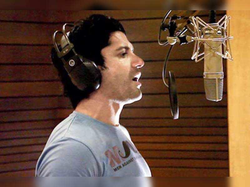 Shaadi Ke Side/Effects: Farhan Akhtar tries new singing style