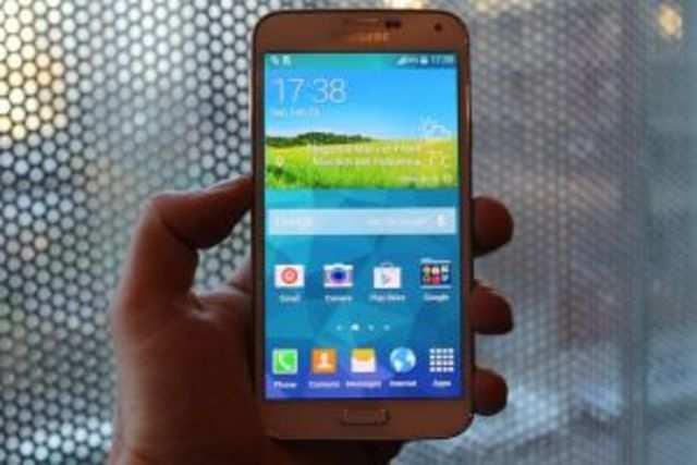 <font color=&quot;#222222&quot; face=&quot;Georgia, Arial, Verdana, sans-serif&quot;>P</font>urported pictures of the Samsung Galaxy&nbsp;S5&nbsp;have appeared online.