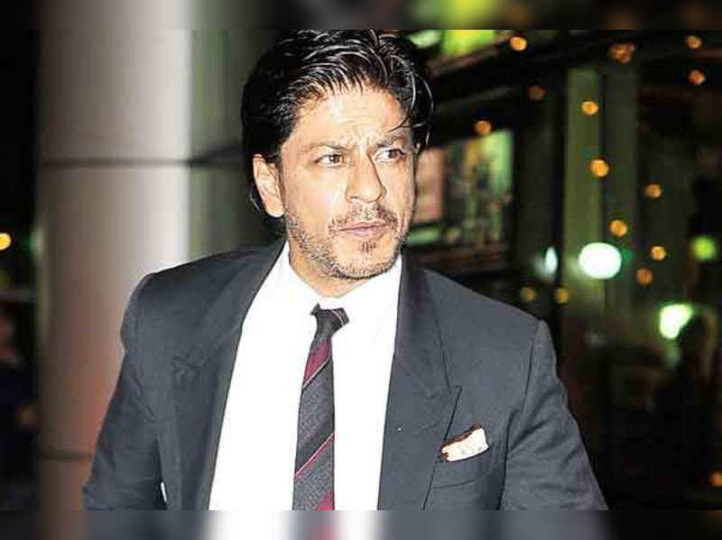 Shah Rukh toasted, Sonu hosted at mirchi music awards