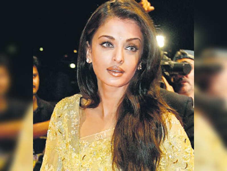 "Aishwarya Rai. (TOI Photo) <a href=""http://photogallery.indiatimes.com/articleshow/3088138.cms "">More pics</a>"