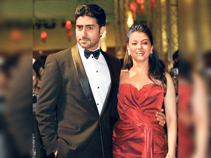 "Abhishek &amp; Aishwarya (TOI Photo) <a href=""http://photogallery.indiatimes.com/articleshow/3163483.cms"" target=""_blank"">More Pics</a>"