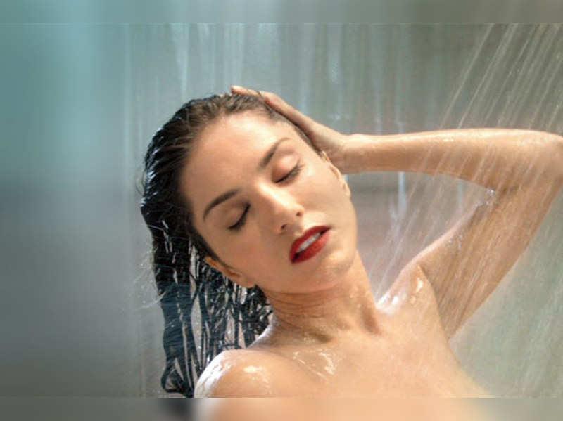 Sunny Leone refuses to go topless for shower scene