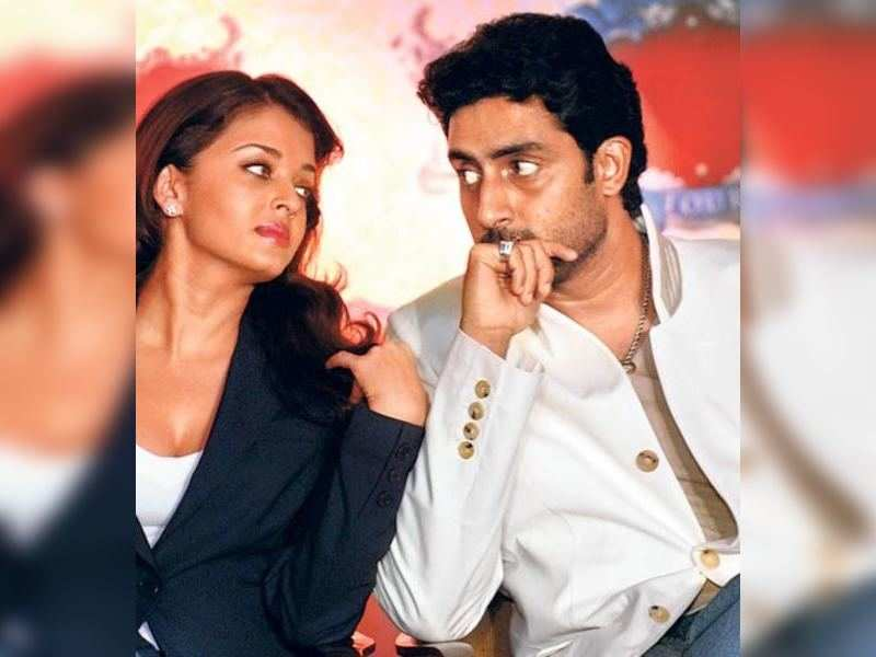 "Aishwarya and Abhishek Bachchan (TOI Photo) <a href=""http://photogallery.indiatimes.com/articleshow/2959365.cms"" target=""_blank"">More Pics</a>"