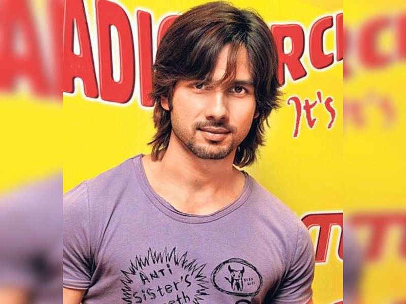 "Shahid (TOI Photo) <a href=""http://photogallery.indiatimes.com/articleshow/2710806.cms"" target=""_blank"">More Pics</a>"