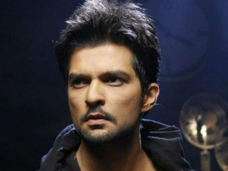 Raqesh Vashisth quits Qubool Hai, Surbhi stays back