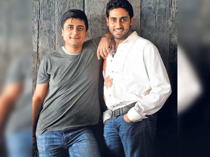 "Abhishek Bachchan and Goldie Behl (TOI Photo) <a href=""http://photogallery.indiatimes.com/articleshow/2306461.cms"" target=""_blank"">More Pics</a>"