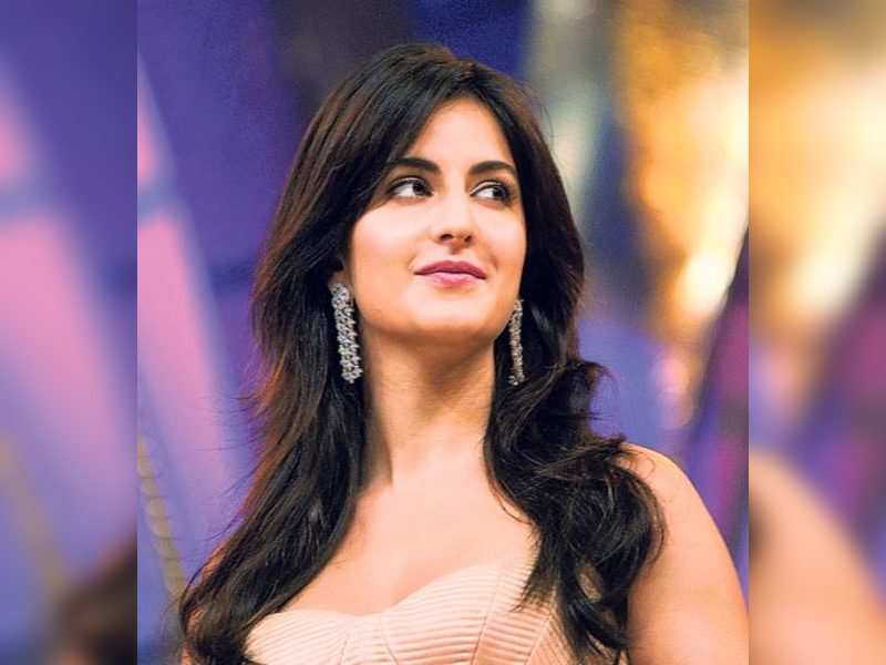 "Katrina Kaif (TOI Photo) <a href=""http://photogallery.indiatimes.com/articleshow/3221787.cms"" target=""_blank"">More Pics</a>"