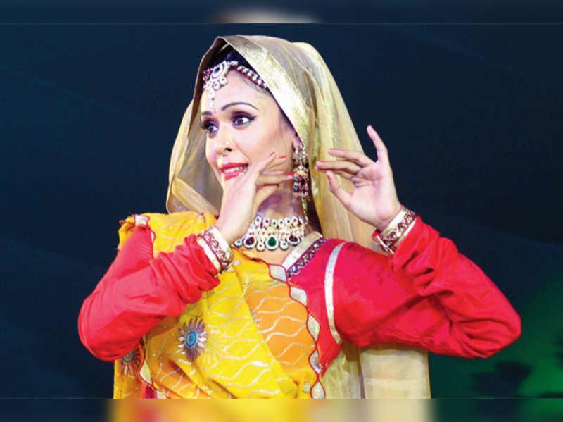 Madan Paliwal organises a nine day Ramkatha by Morari Bapu in Chittorgarh