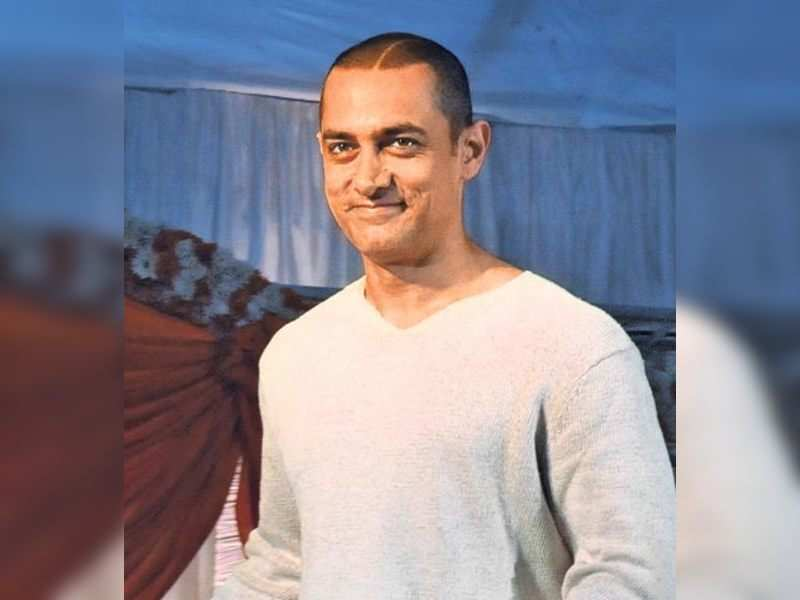"""Aamir Khan (TOI Photo) <a href=""""http://photogallery.indiatimes.com/articleshow/3211429.cms"""" target=""""_blank"""">More Pics</a>"""