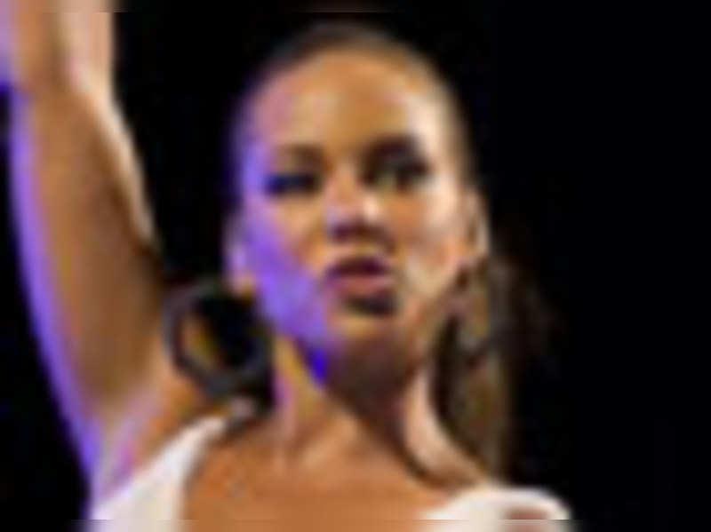 Jack, Alicia Keys sing for next Bond flick