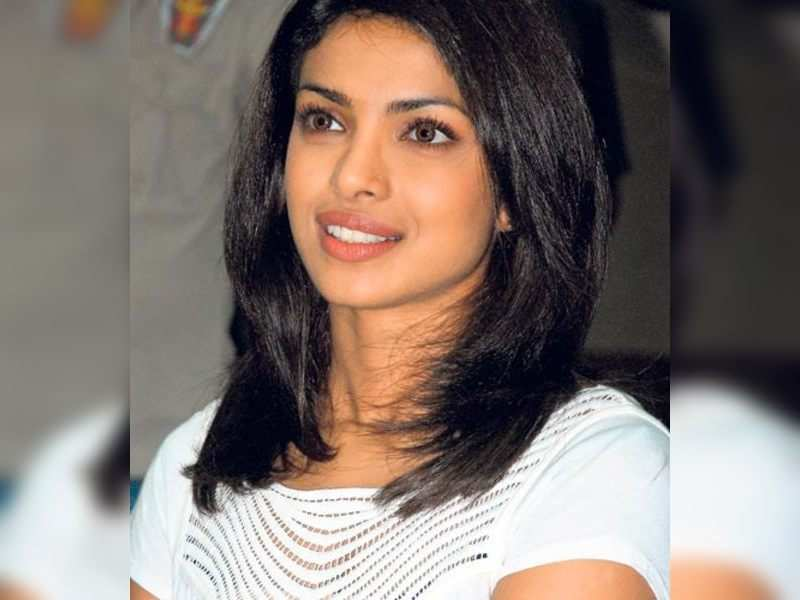 """Priyanka (TOI Photo) <a href=""""http://photogallery.indiatimes.com/articleshow/3399374.cms"""" target=""""_blank"""">More Pics</a>"""