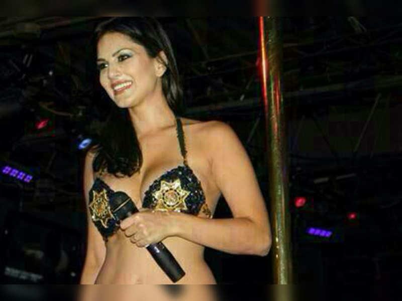 Black strip dancing clips nude pics