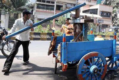 Handmade sugarcane juice getting popular