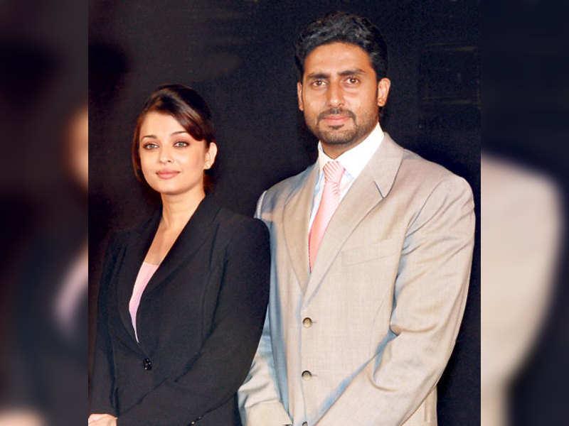 "Abhishek &amp; Aishwarya Bachchan (TOI Photo) <a href=""http://photogallery.indiatimes.com/articleshow/3352021.cms"" target=""_blank"">More Pics</a>"