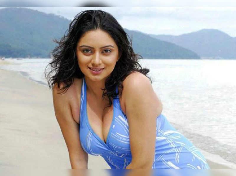 Actress says she doesn't have a bikini body