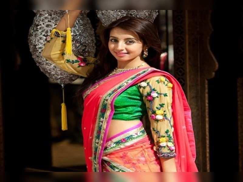 Sanjjanaa enjoying 'spicy' song shoot for Bangalore 23