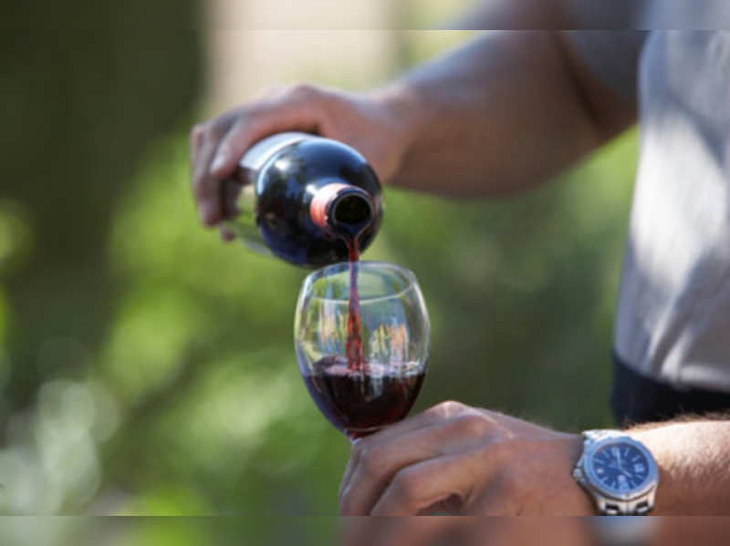 Red wine, chocolate not linked to longevity (Thinkstock Photos/ Getty Images)