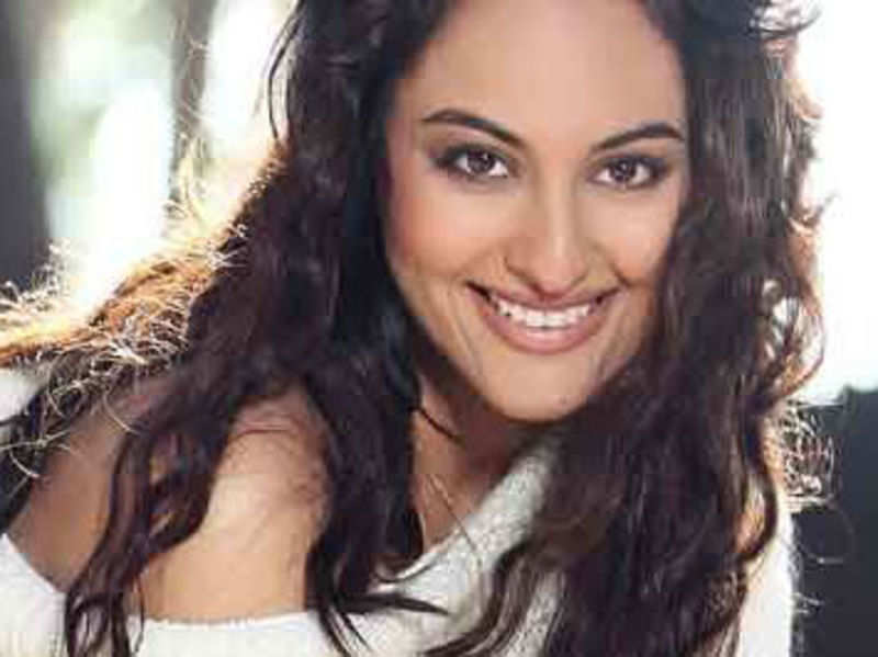 Would love to change my relationship status: Sonakshi Sinha