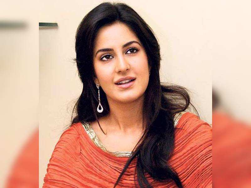 "Katrina Kaif (TOI Photo) <a href=""http://photogallery.indiatimes.com/articleshow/3517341.cms"" target=""_blank"">More Pics</a>"