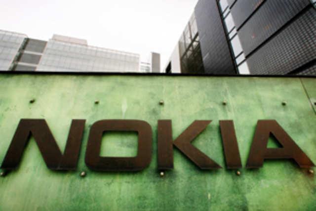 Nokia will redeem senior notes worth 800 millioneurosas part of its plan to reduce the interest outgo.