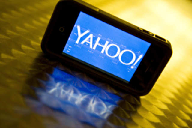 An AdAge report claims that Yahoowill launch a YouTube rival this summer, offering better revenue models to video makers.