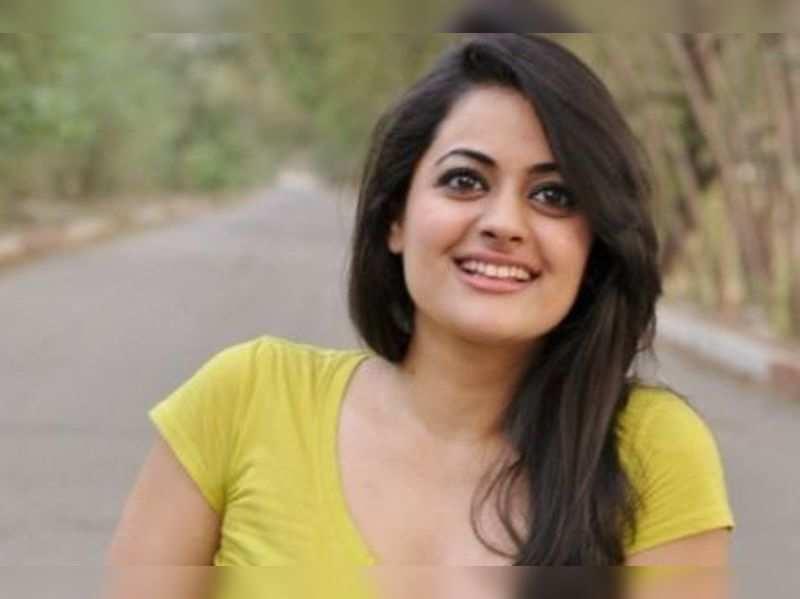 Shruti Sodhi to romance Kalyan Ram in Pataas