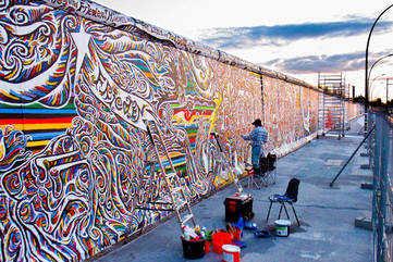 Walk along the Berlin Wall