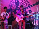 Students Band dazzles Rock Studio