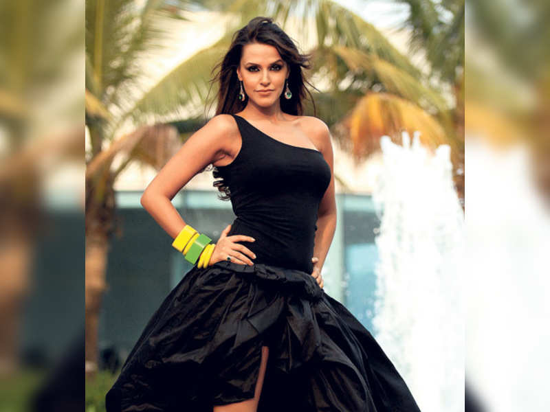 """Neha Dhupia (TOI Photo) <a href=""""http://photogallery.indiatimes.com/articleshow/3217006.cms"""" target=""""_blank"""">More Pics</a>"""