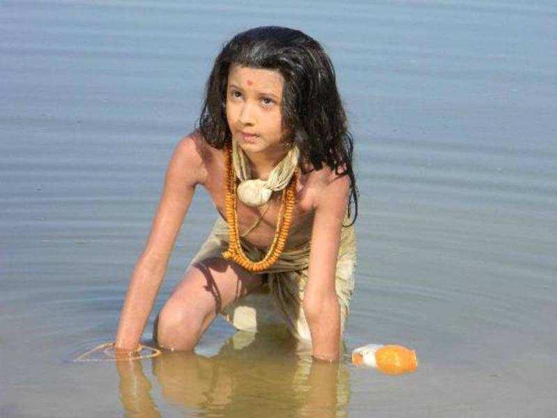 Neelkanth wins the Best Feature Film award at the Kutch Film Screen Award-2014