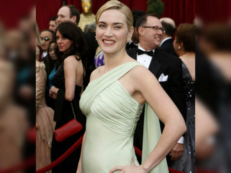 """Kate Winslet (Reuters photo) <a href=""""http://photogallery.indiatimes.com/articleshow/3134539.cms"""" target=""""_blank"""">More Pics</a>"""