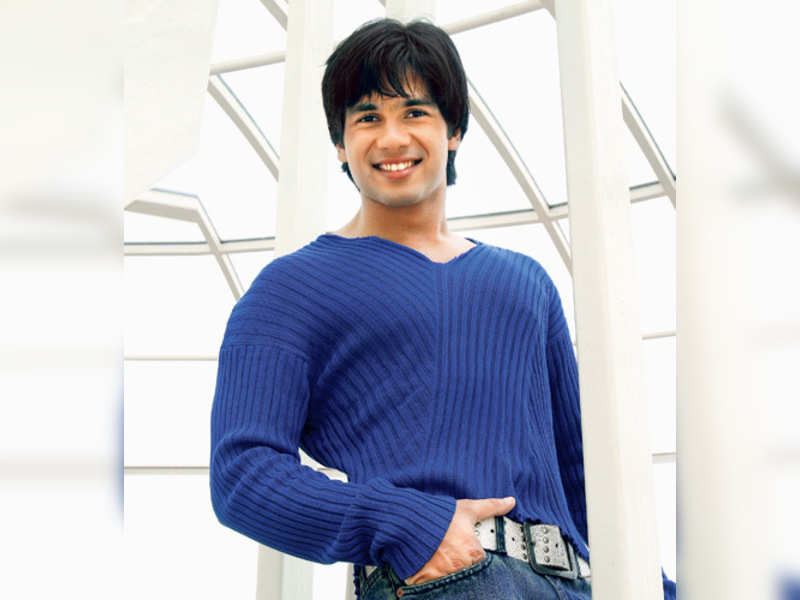 """Shahid Kapoor (TOI photo) <a href=""""http://photogallery.indiatimes.com/articleshow/3878482.cms"""" target=""""_blank"""">More Pics</a>"""