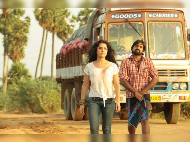 A lorry's role in Nerungi Vaa Muthamidathe