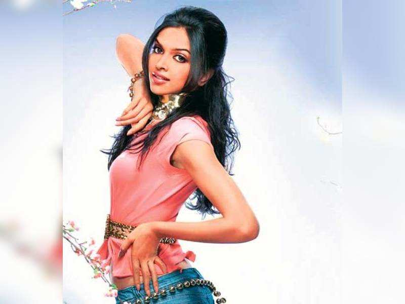 "Deepika Padukone. (TOI Photo)<a href="" http://photogallery.indiatimes.com/portfoliolist/3879056.cms"">More Pics</a>"