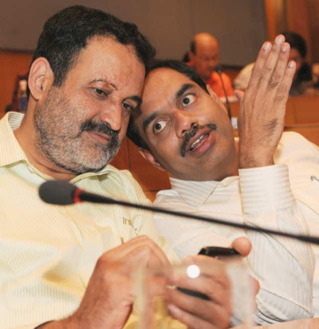 Former Infosys executives TV Mohandas Pai (left) and V Balakrishnan.