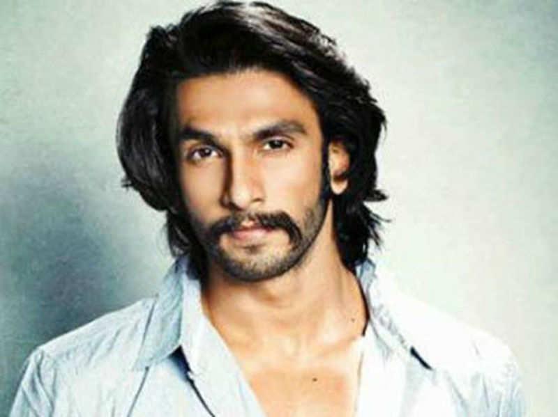 Ranveer Singh directs Deepika Padukone's moves