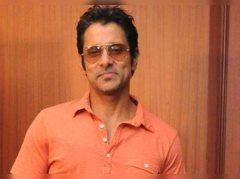 When Vikram knocked at Abhishek Bachchan's door
