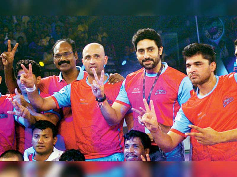 Abhishek Bachchan to take his Kabaddi team, Jaipur Pink Panthers for a movie
