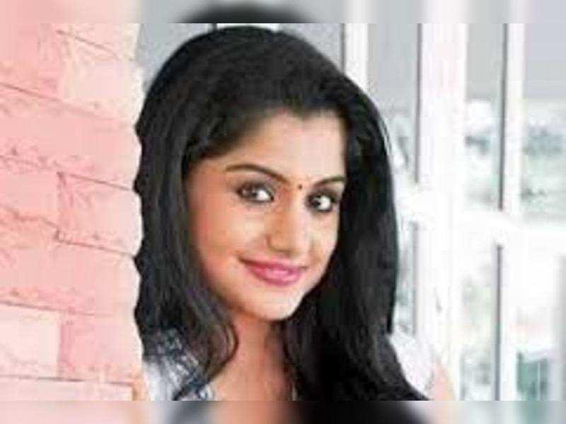 Meera Nanda  to romance Asif in her next