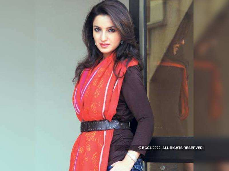 "Tisca Chopra <a href=""http://photogallery.indiatimes.com/articleshow/4010156.cms"" target=""_blank"">More Pics</a>"