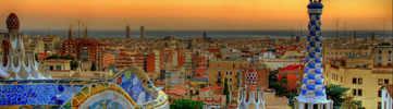 Admire the Sagrada Família