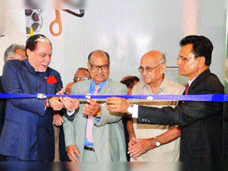 Dr Subhash Chandra inaugurated the Deviprasad Goenka Management College of Media Studies in Mumbai