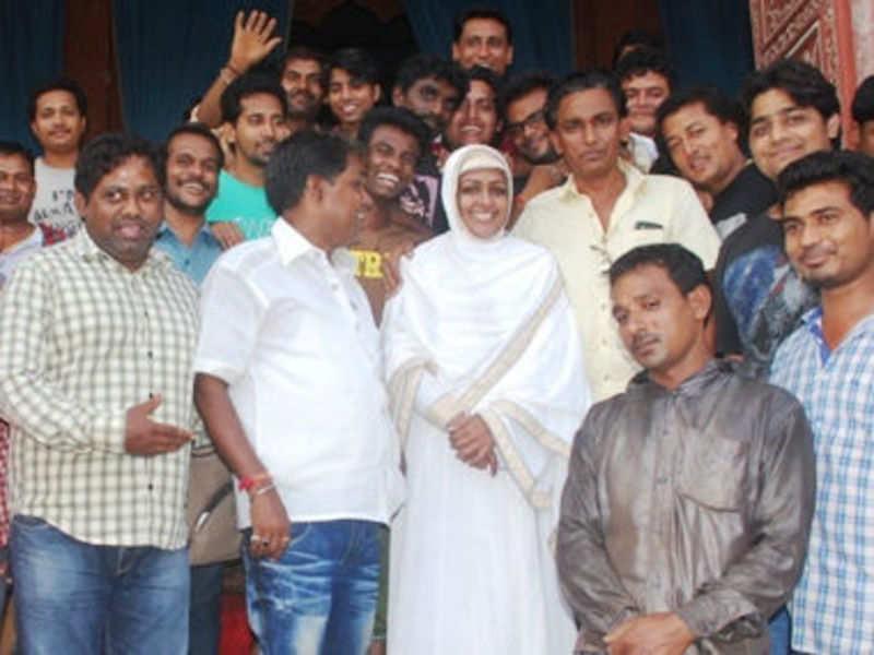 Ashwini Kalsekar Bids a Tearful Goodbye to Jodha Akbar