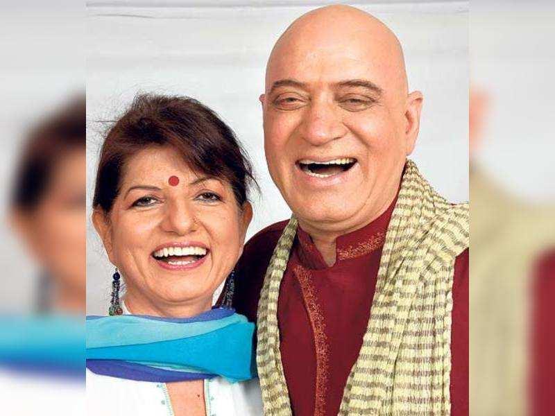 Dr Madan Kataria (r) with wife Madhuri