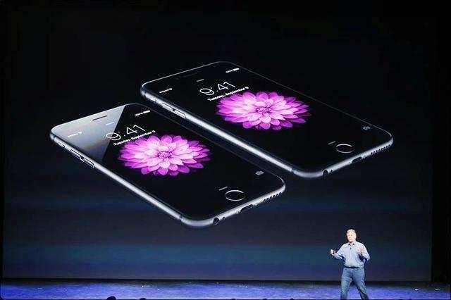 Last year, Apple had sold 9 million iPhone 5S and 5C phones during the launch weekend.
